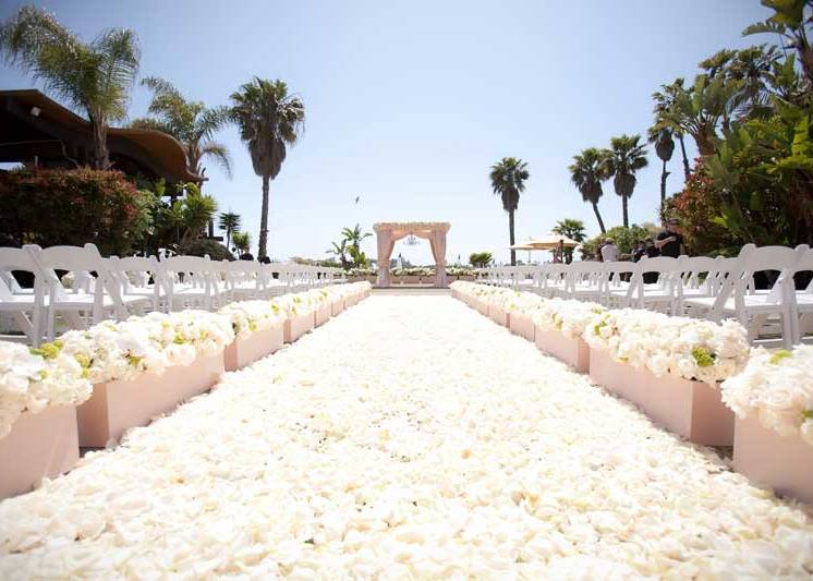 black-and-white-paradise-point-vh1-tough-love-wedding-aisle-carpet-of-roses